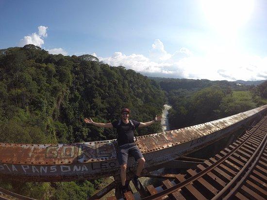 Puente Ferrocarril Rio Grande Atenas: le sol est aéré !!