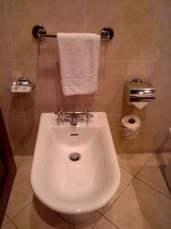 Bagno - Picture of ATAHOTEL Linea Uno Residence, Milan - TripAdvisor