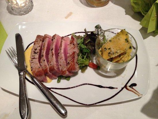 Lehrte, Germany: Gelbflossen Tunfisch