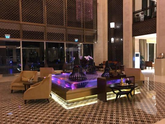 Eastern Mangroves Hotel & Spa By Anantara: Hall de l'hotel