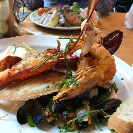 Cod fillet picture of the seafood bar amsterdam for Seafood bar van baerlestraat