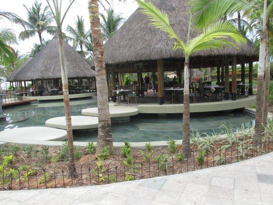 La Pirogue Resort & Spa: Restaurant satellites