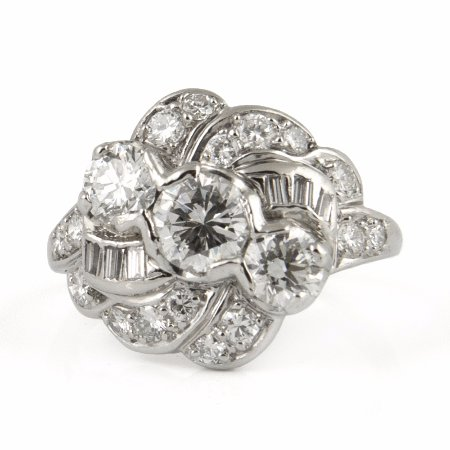Westmount, Kanada: Art Deco Platinum Diamond Ring - Daisy Exclusive Estate Jewellers