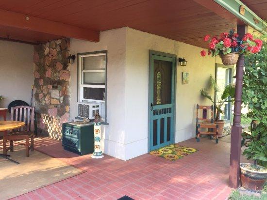 Yosemite Vacation Homes : Outside_1