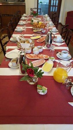 Alenquer, Portugal: Sala de estar e pequeno almoço!