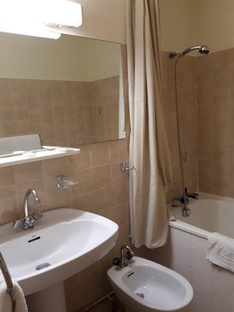 Fleurie, Fransa: Vue de la salle de bains
