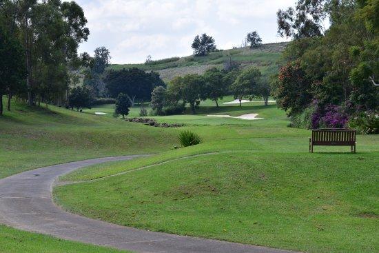 Makani Golf Club : ベンチの有るホール