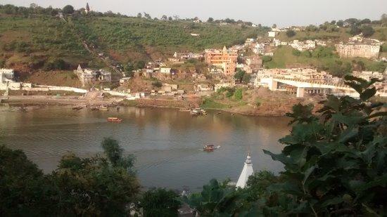 Resort on Bank to View Jyotirlinga