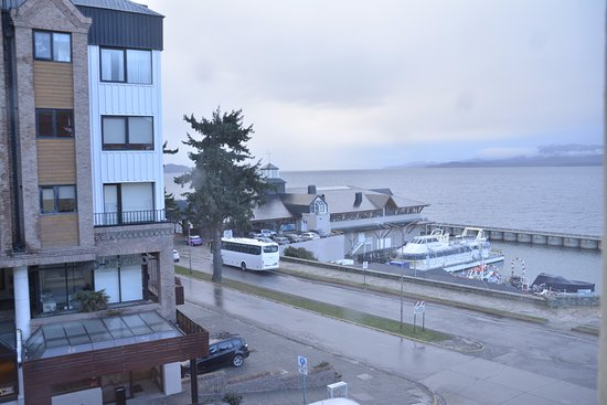 Hotel Tres Reyes: vista lateral del lago