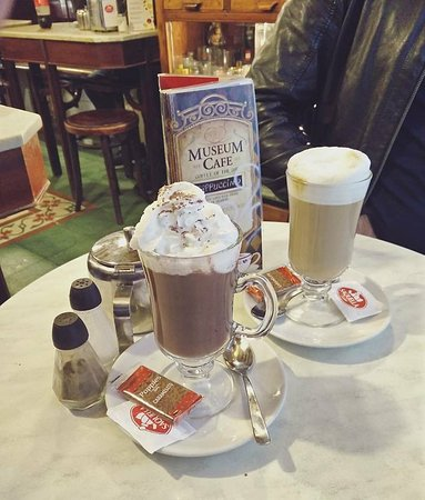 Museum cafe: Hot drinks - delicious and amazing value!