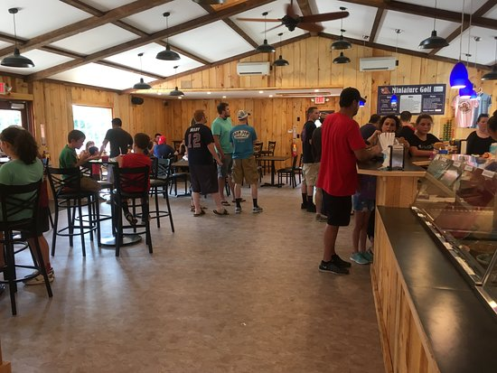 Hooksett, Nueva Hampshire: So many great ice cream flavors to choose from!