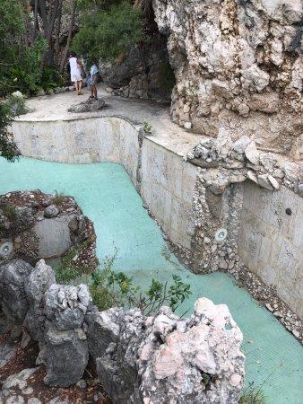 La piscina senza acqua di acqua salata - Piscina acqua salata ...