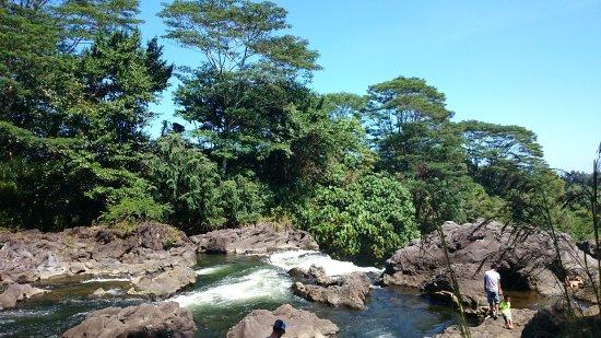 Wailuku River State Park: レインボーフォール上部