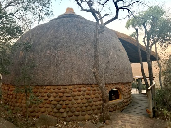 Rorke's Drift, South Africa: The thatched rooms are a marvel of architecture!