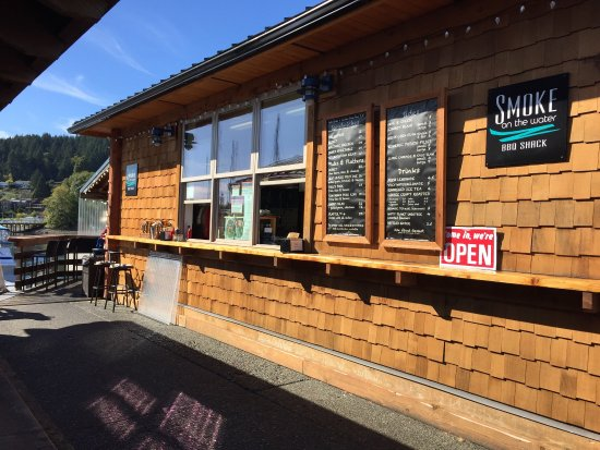 Gibsons, Kanada: Smoke On The Water BBQ Shack