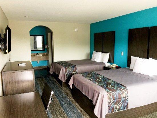 Americas Best Value Inn & Suites Mont Belvieu/Houston: Two Queen Beds