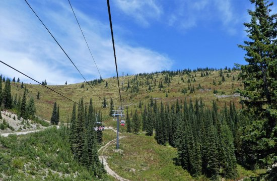 Whitefish Mountain Resort: continuing up the mountain