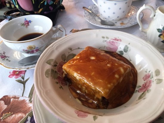 Queen Charlotte Tea Room : Incredible Toffee Sticky Pudding
