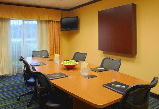 Fairfield Inn & Suites New Buffalo: Boardroom