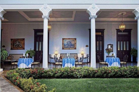 Casa Azul Hotel Monumento Historico: Exterior