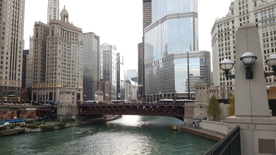 Michigan Avenue Bridge: 20171005_180843_large.jpg