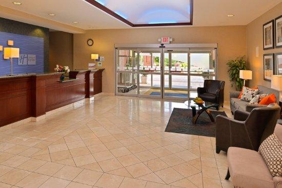 Albany, OR: Hotel Lobby