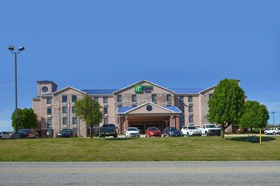Harrison, AR: Hotel Exterior