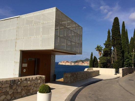 Villa Dubrovnik Entrance