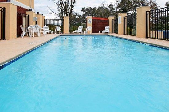 Andalusia, AL: Swimming Pool