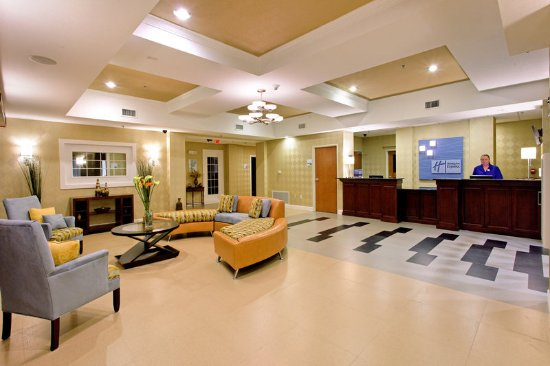 Andalusia, AL: Hotel Lobby