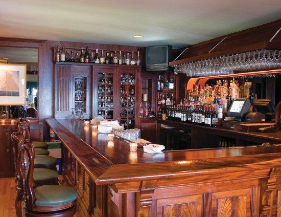 Jamestown, RI: Bar