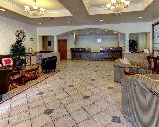 Quality Inn & Suites: TXGLobby
