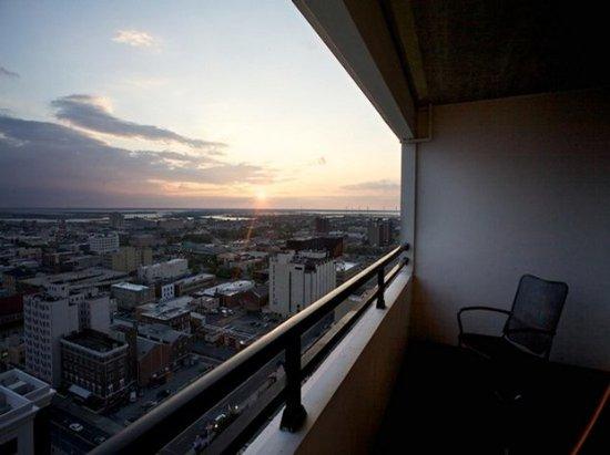 Wyndham Skyline Tower: Guestroom View