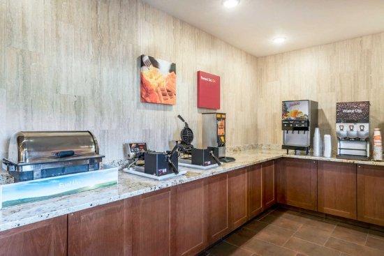 Yakima, واشنطن: Free breakfast with waffles