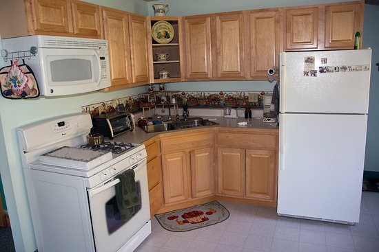 Cabot, VT: Alcott suite kitchen