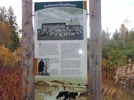 Carcross, Kanada: Interpretive signs tell about the history