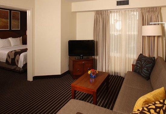 Holtsville, Nova York: One-Bedroom Suite