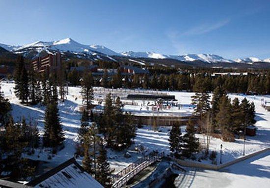 Marriott's Mountain Valley Lodge at Breckenridge: Skating Rink