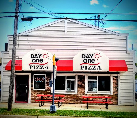 Columbus, WI: Order Pizza for Delivery