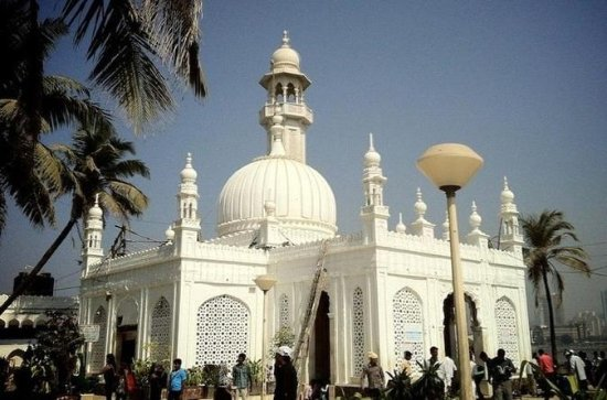 Mosques and Dargahs of Mumbai...