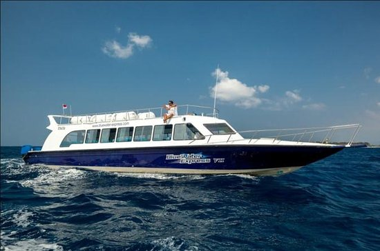 Transferencia de barco de Blue Water...