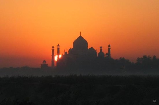 Taj Mahal Sunrise Same Day by Car
