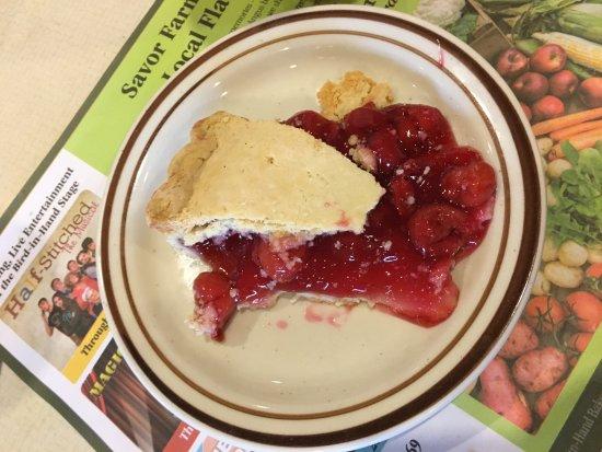 Bird In Hand Family Restaurant : Delicious cherry pie.