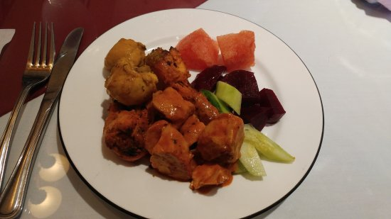 Port Coquitlam, Canada: Yum, Bombay's lunch buffet is so delicious