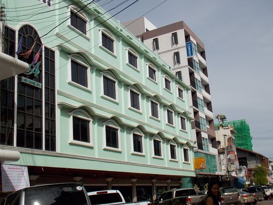Anou Paradise Hotel: Street view of the hotel
