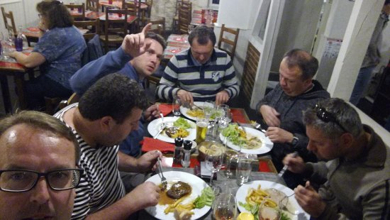 Clamecy, Frankrike: dinner at La Vieille Rome