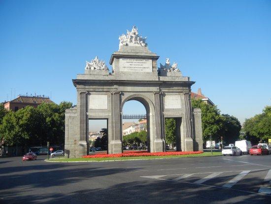 Puerta de toledo picture of puerta de toledo madrid for Shoko puerta de toledo