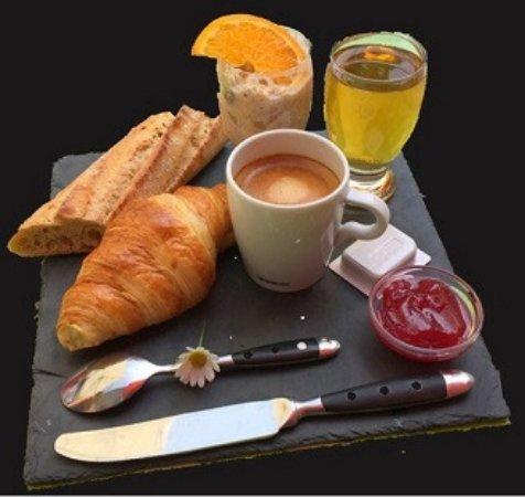 Orbe, İsviçre: Formule petit déjeuner