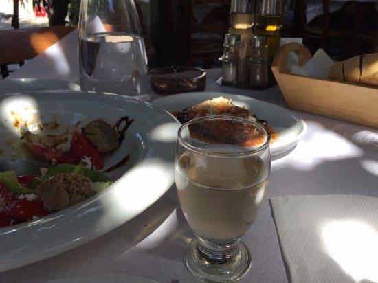 Spili, Yunani: домашнее вино