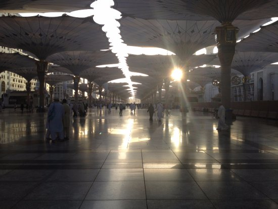 Al Madinah Province, Arabia Saudyjska: Sunrise at Nabawi Mosque